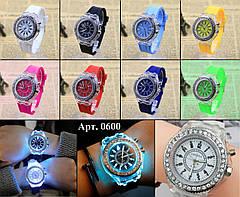 """Жіночі наручні годинники """"Geneva"""" з підсвічуванням (білий), фото 3"""