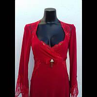 Платье нарядное женское красного цвета.