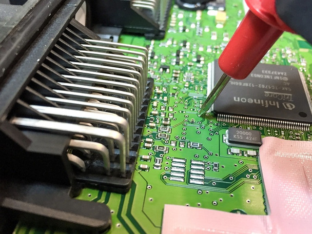 Особенности ремонта электронного блока управления - изображение