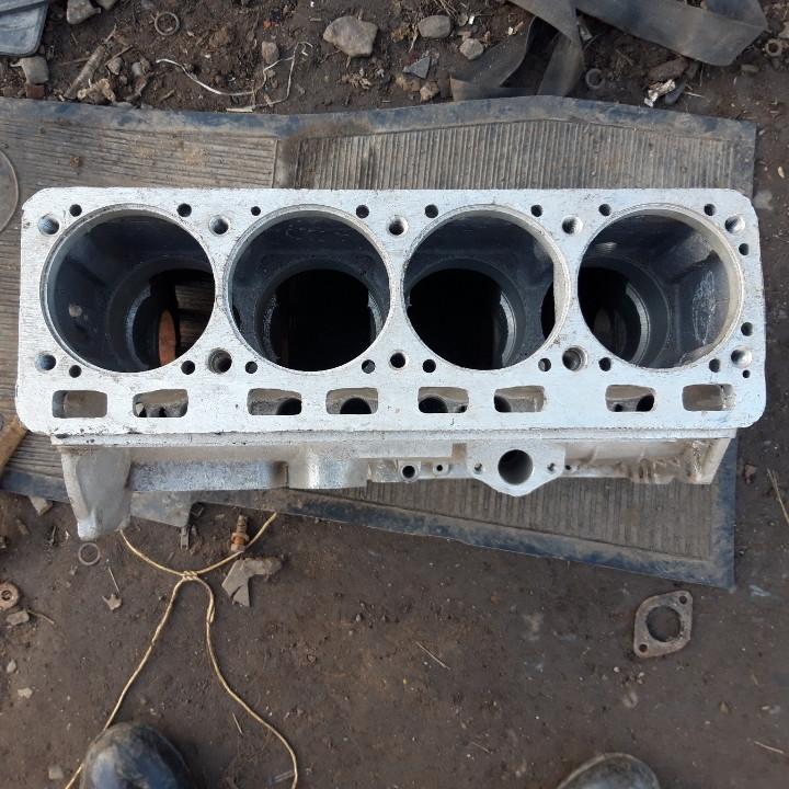 Блок цилиндров ГАЗ 24 новый