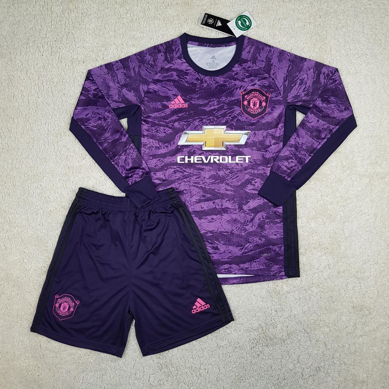 Футбольная форма Манчестер Юнайтед вратарская фиолетовая (сезон 2019-2020)