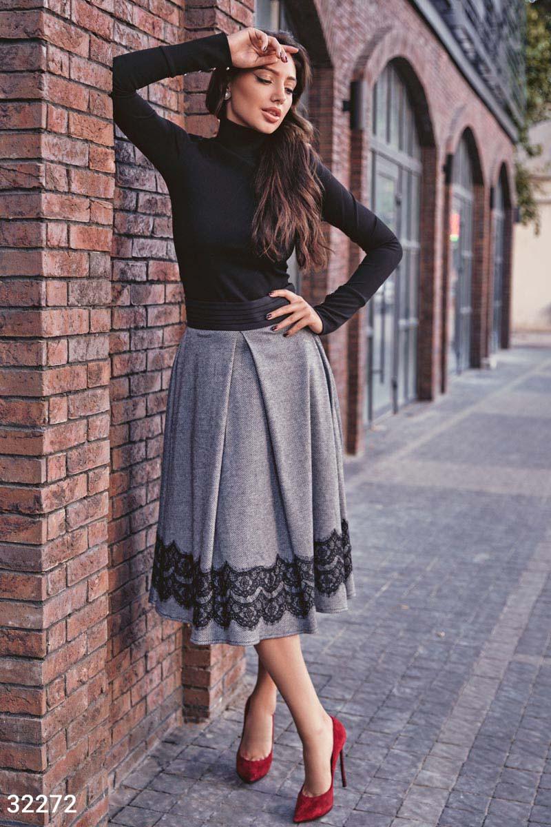 Расклешенная теплая юбка-миди