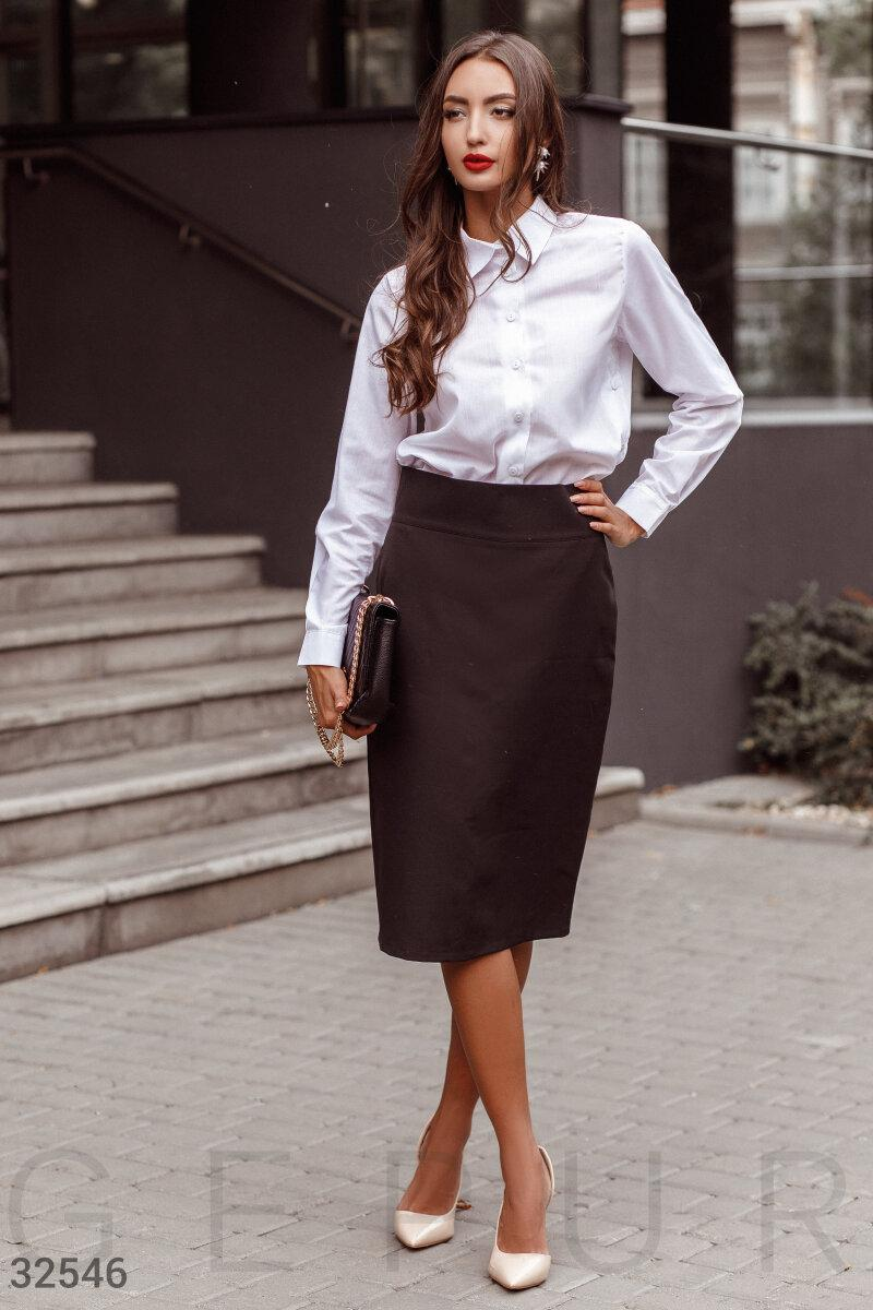 Строгая юбка-миди с разрезом-шлицей
