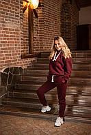 Зимний женский спортивный костюм с кофтой худи бордового цвета