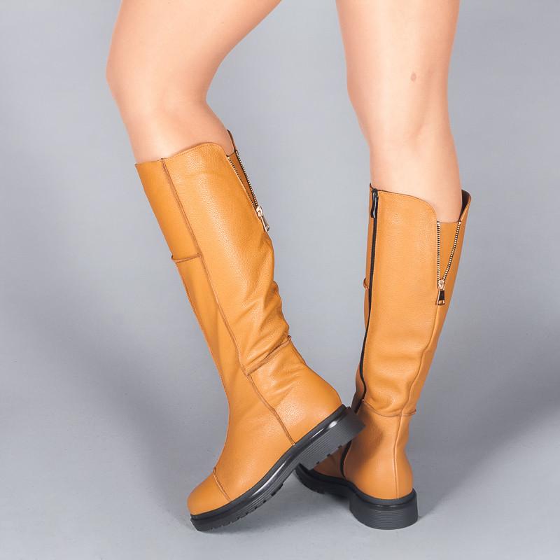 Женские кожаные сапоги на низком ходу. Осень. Зима.
