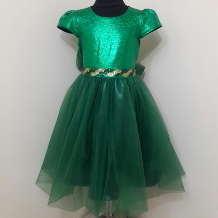 Новогоднее зеленое платье для девочки 7 лет