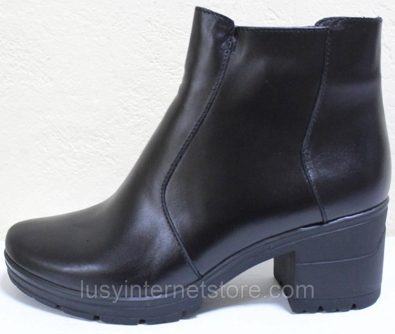 Ботинки женские зимние кожаные на каблуке от производителя модель СТБ10