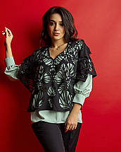 """Стильный женский брючный костюм-двойка  """"Luana"""" с перфорированной блузой (большие размеры), фото 2"""