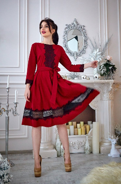 Молодёжное платье с чёрным кружевом 46,48,50,52