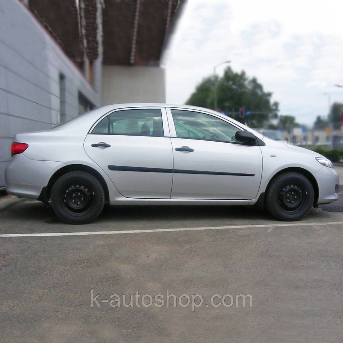 Молдинги на двери для Toyota Corolla 2006-2012