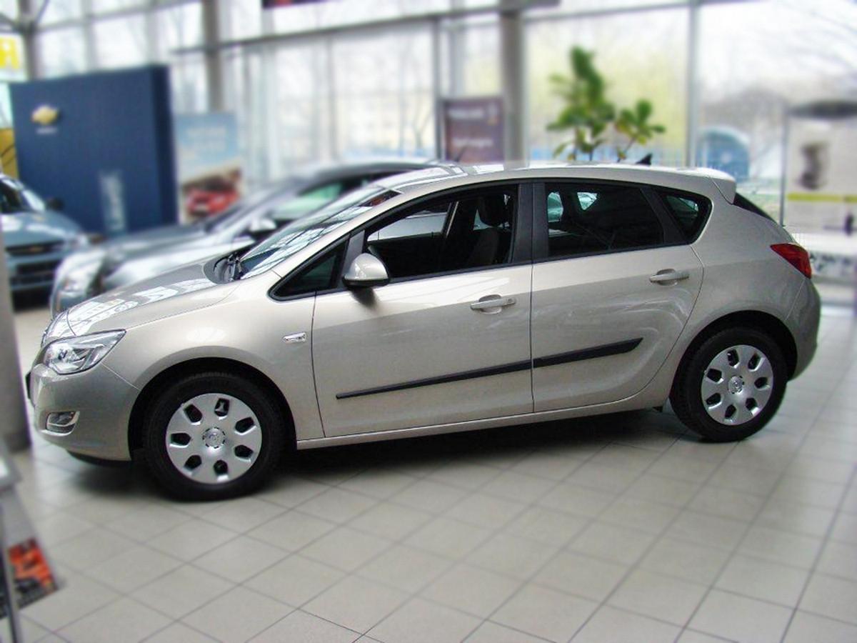 Молдинги на двери Opel Astra J 2009-2012