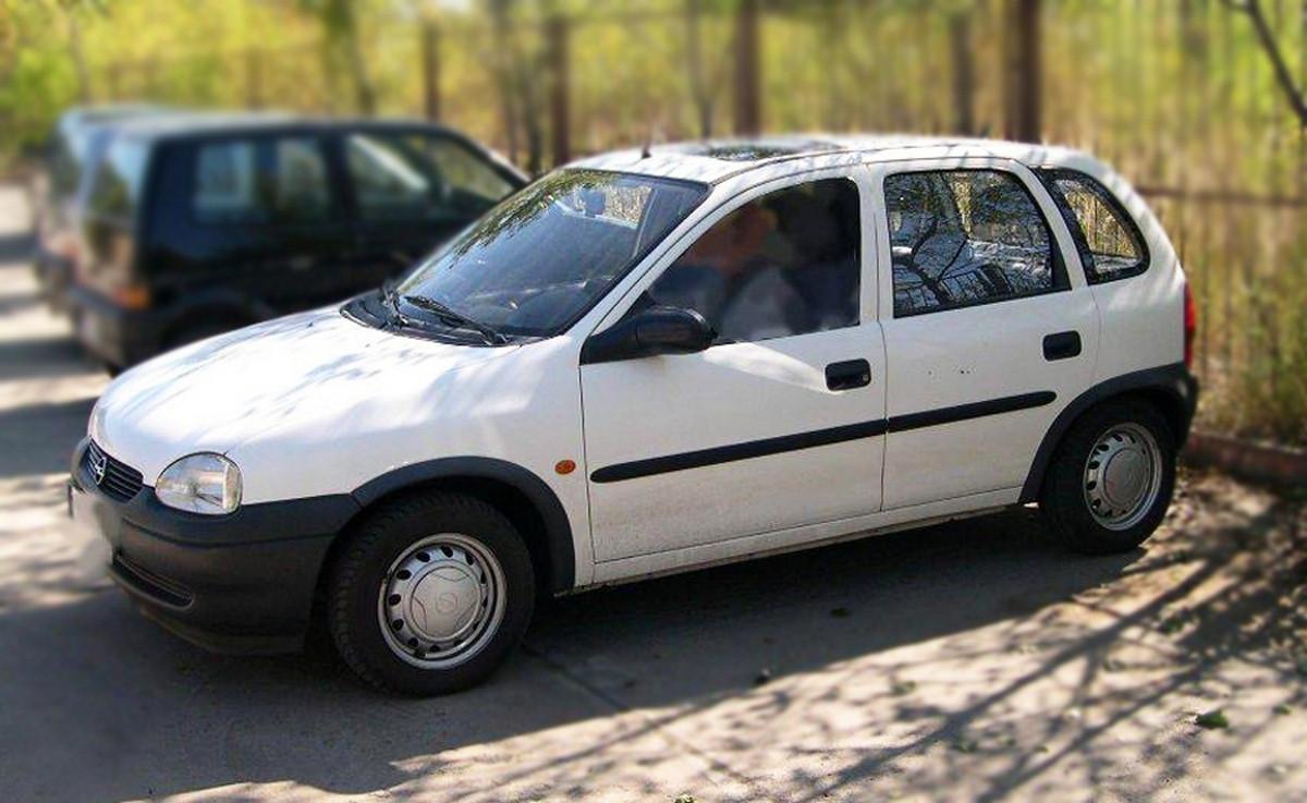 Молдинги на двери Opel Corsa B 5 Door 1993-2000