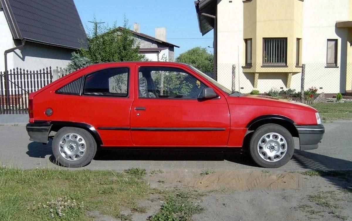 Молдинги на двери Opel Kadett E 3 Door 1984-1991