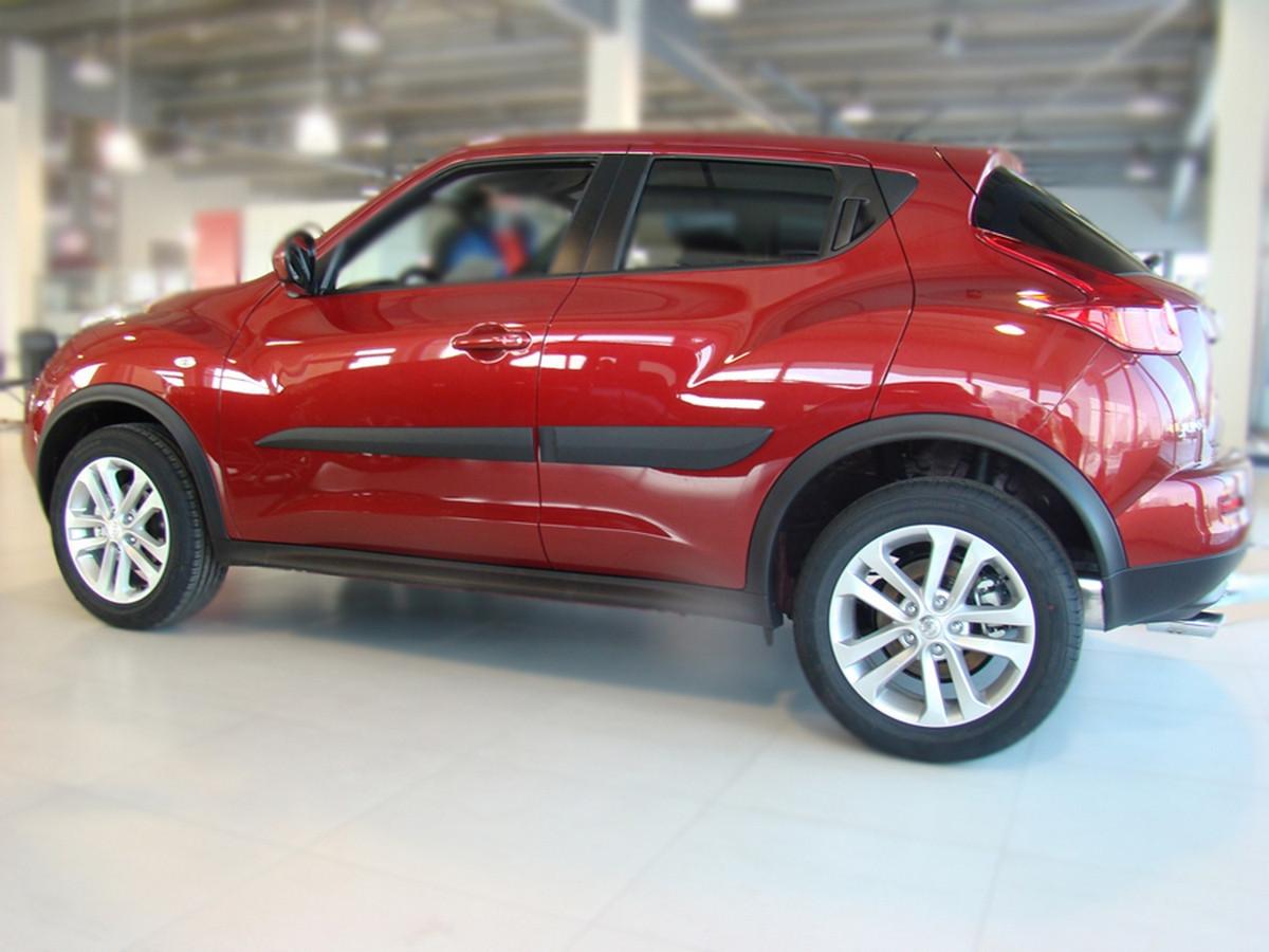 Молдинги на двери Nissan Juke 2010>