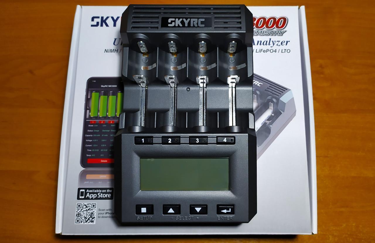 """SkyRC MC3000 - профессиональное зарядное устройство с дополнительной услугой """"Калибровка"""""""