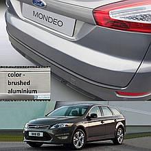 Пластикова захисна накладка на задній бампер для Ford Mondeo Mk4 Turnier LIFT. 2010-2014