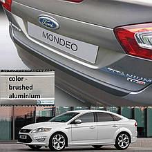 Пластикова захисна накладка на задній бампер для Ford Mondeo Mk4 5Dr LIFT 2010-2014