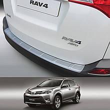 Пластикова накладка заднього бампера для Toyota RAV-4 2013-2016 ribbed