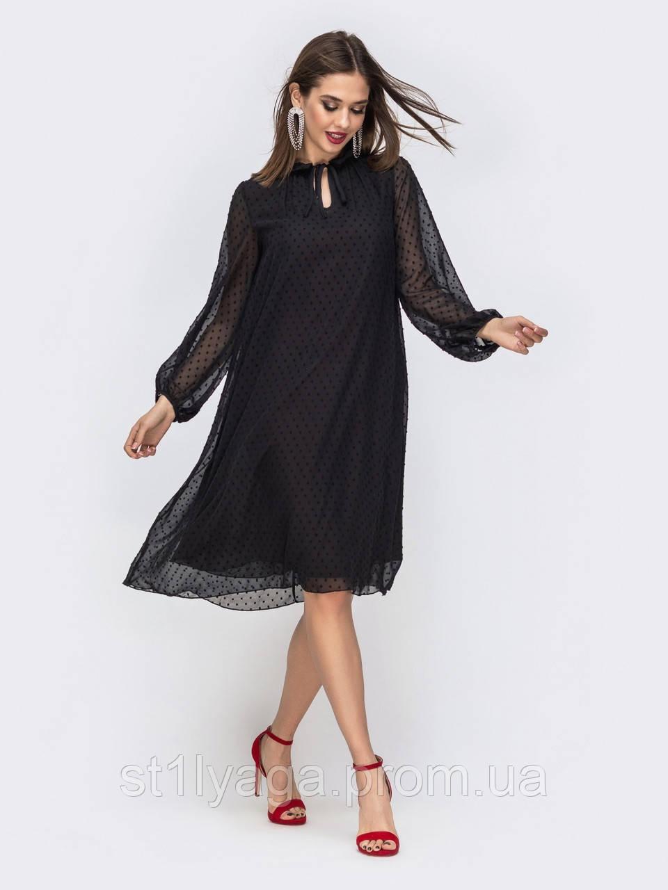 Платье трапеция из шифона в фактурный горох с воротником-стойкой