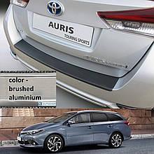 Пластикова захисна накладка на задній бампер для Toyota Auris Touring Sports LIFT 2015-2018