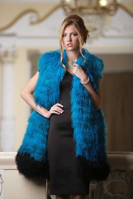 ЛАМА и ЯК шубы и жилеты Tibetan lamb fur coats vests gilets