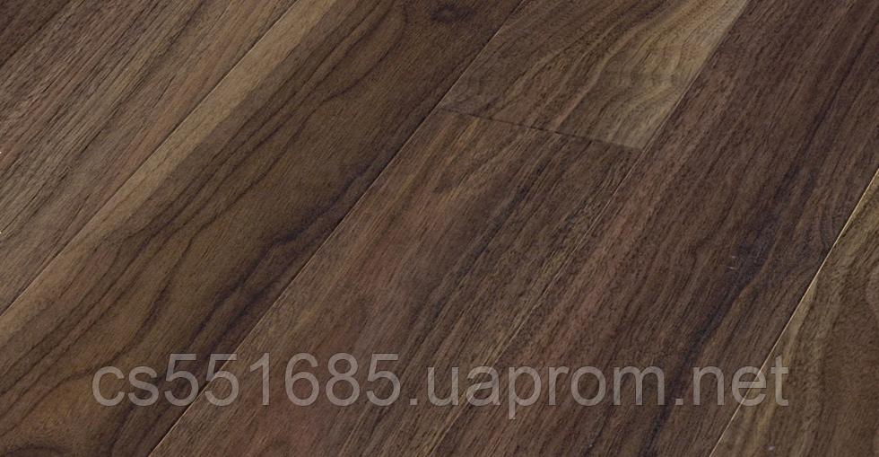 37658 (SN)-Орех Ньюпорт 32 класс 10 мм с фаской Narrow Plank коллекция Natural Touch ламинат Kaindl