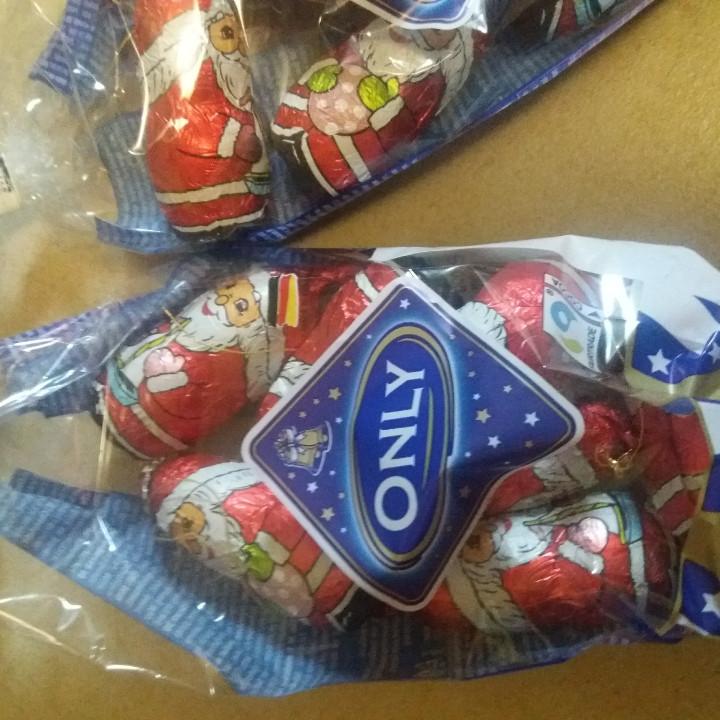 Новогодний ПОДАРОЧНЫЙ набор с конфетами и шоколадом из Венгрии