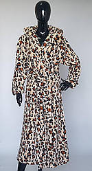 Длинный махровый халат с капюшоном леопардовой расцветки