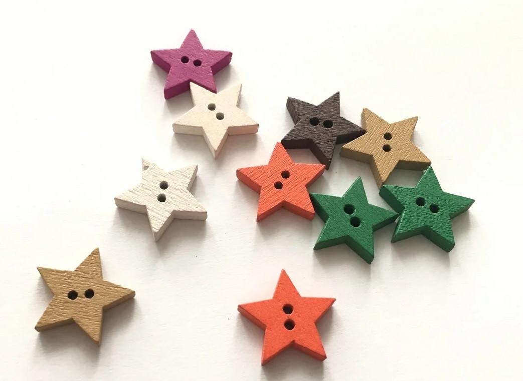 Деревянные звёзды.  Деревянные фигурки. деревянные пуговицы. звёзды на ёлку