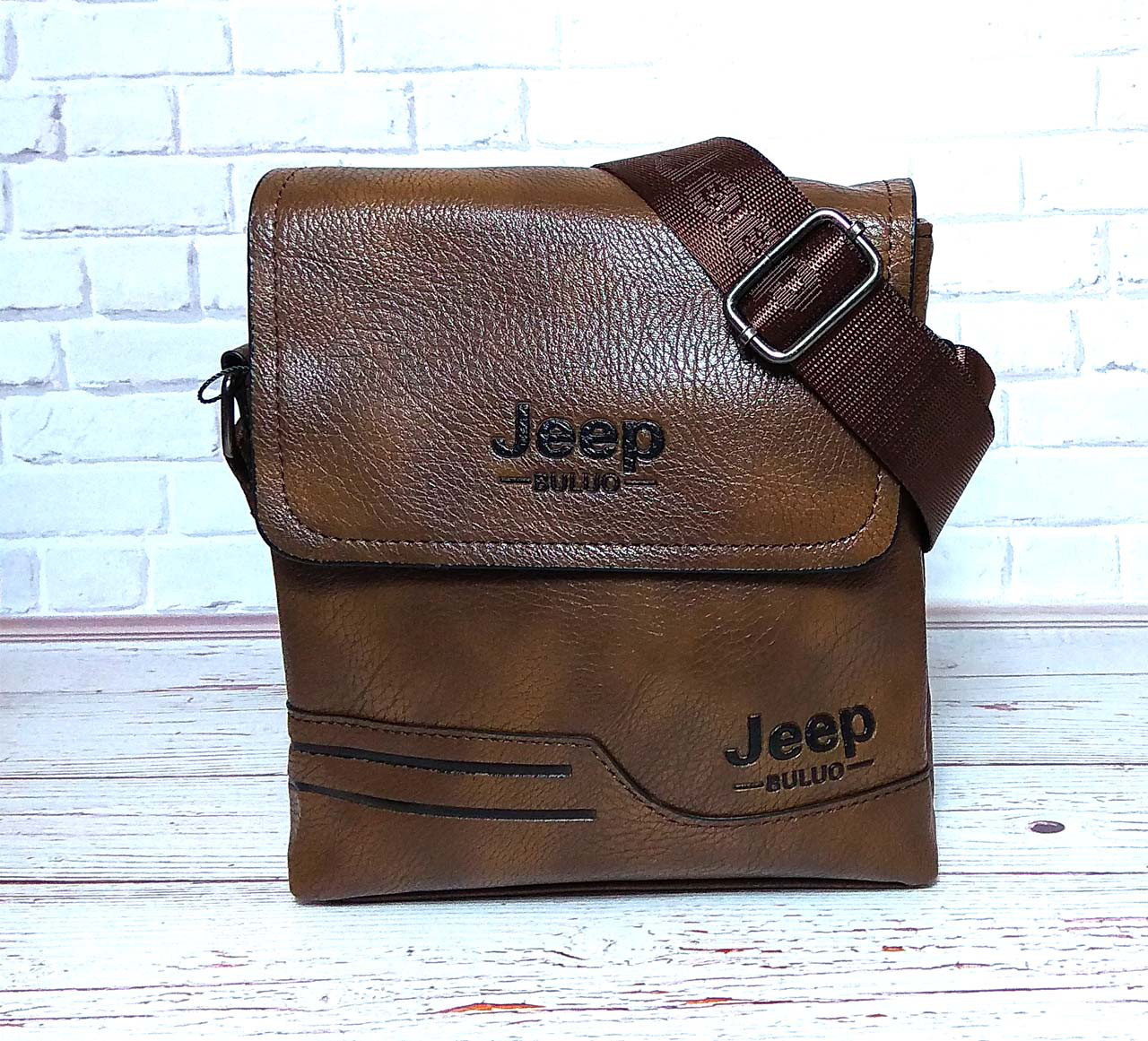 Мужская сумка через плечо Jeep. Коричневая. 21см х 19см / Кожа PU. 557 brown