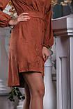 Платье мини выше колена с асимметричным подолом, замшевое. С узором. Терракотовое, рыжее, кирпичное, фото 3