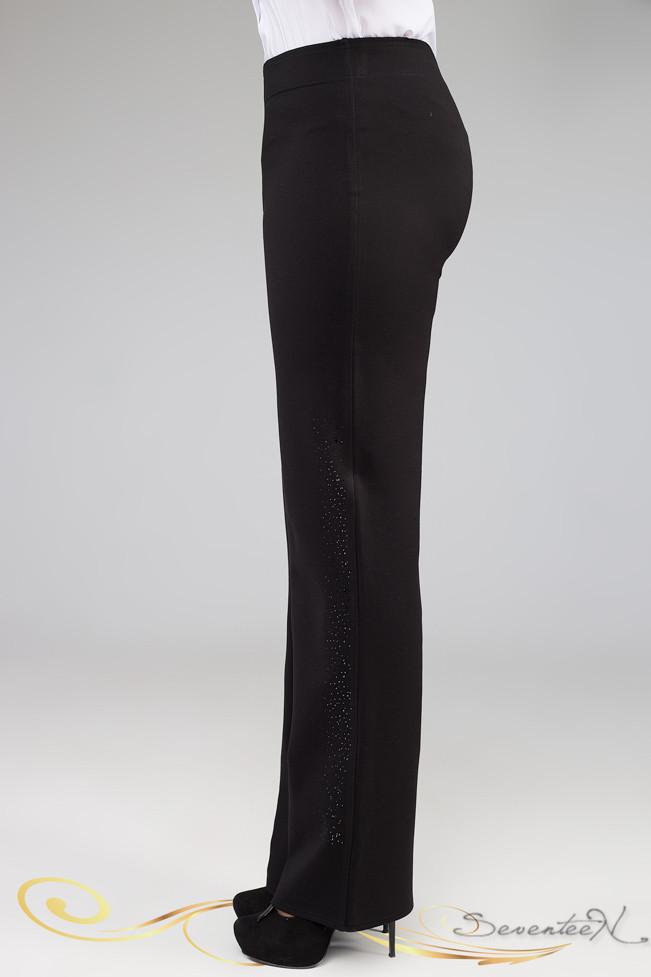 Батальные женские брюки с черными лампасами. Длинные. Офисные, деловые. С черными стразами. Черные