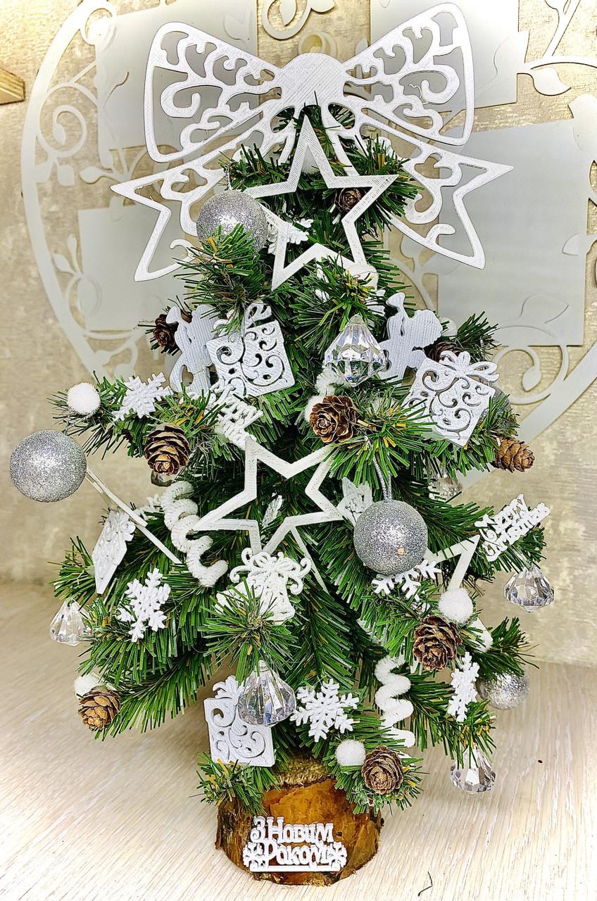 Новогодняя ёлка 40см , украшенная ёлка на новый год 2019, декоративная маленькая ёлка на лесном срубе