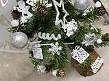 Новогодняя ёлка 40см , украшенная ёлка на новый год 2019, декоративная маленькая ёлка на лесном срубе, фото 2