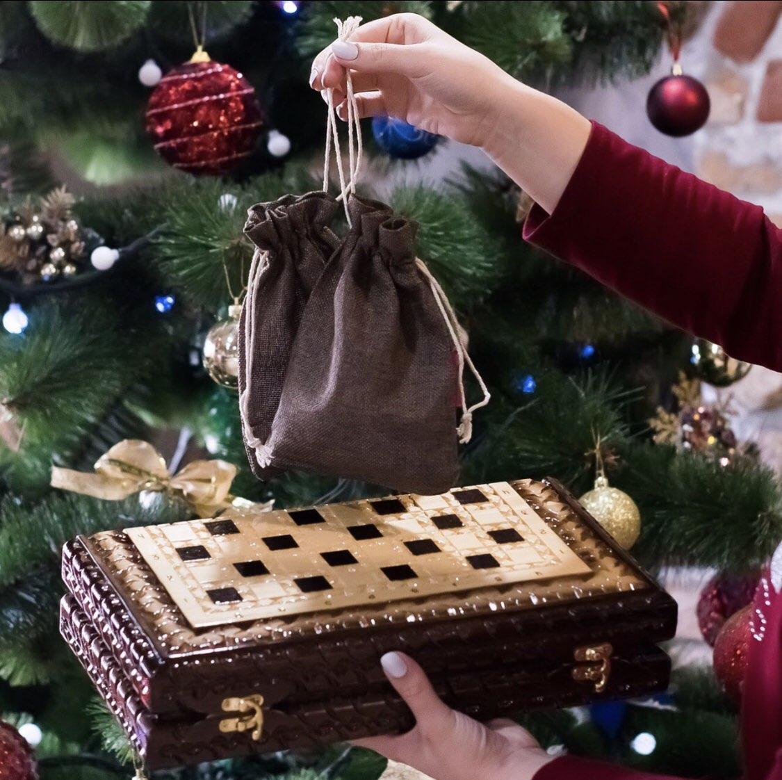Шахматы и нарды ручной работы, эксклюзивная резьба по дереву
