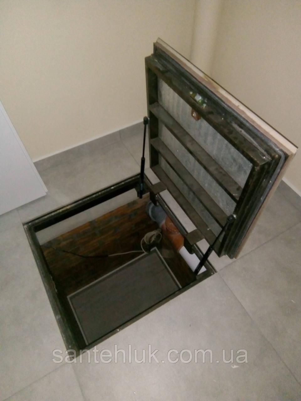 Люк в погреб герметичный 700х700 под ламинат в пол, подвал, погреб на газовых амортизаторах