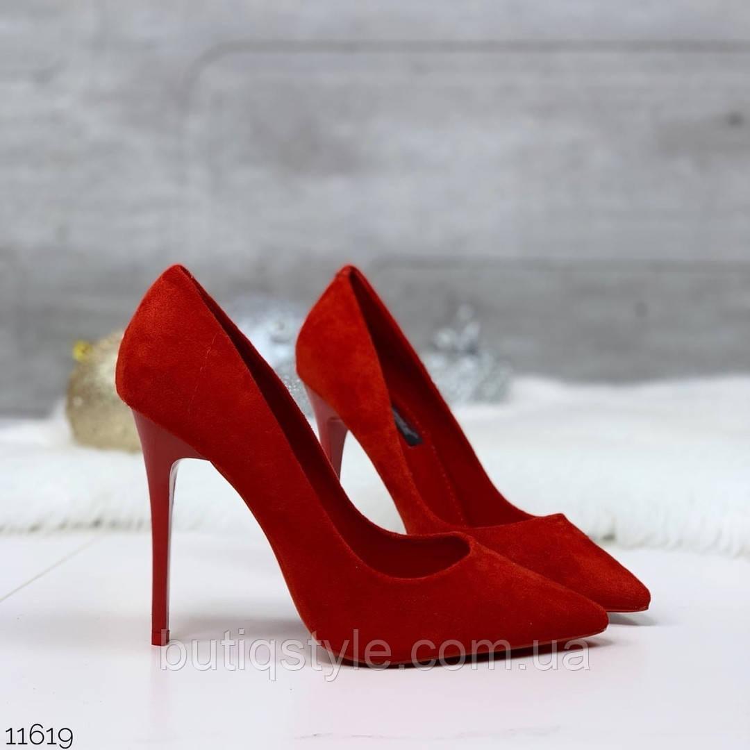 Красные женские туфли-лодочки на шпильке  эко-замша