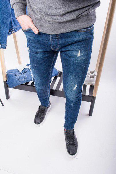 Мужские джинсы с потертостями