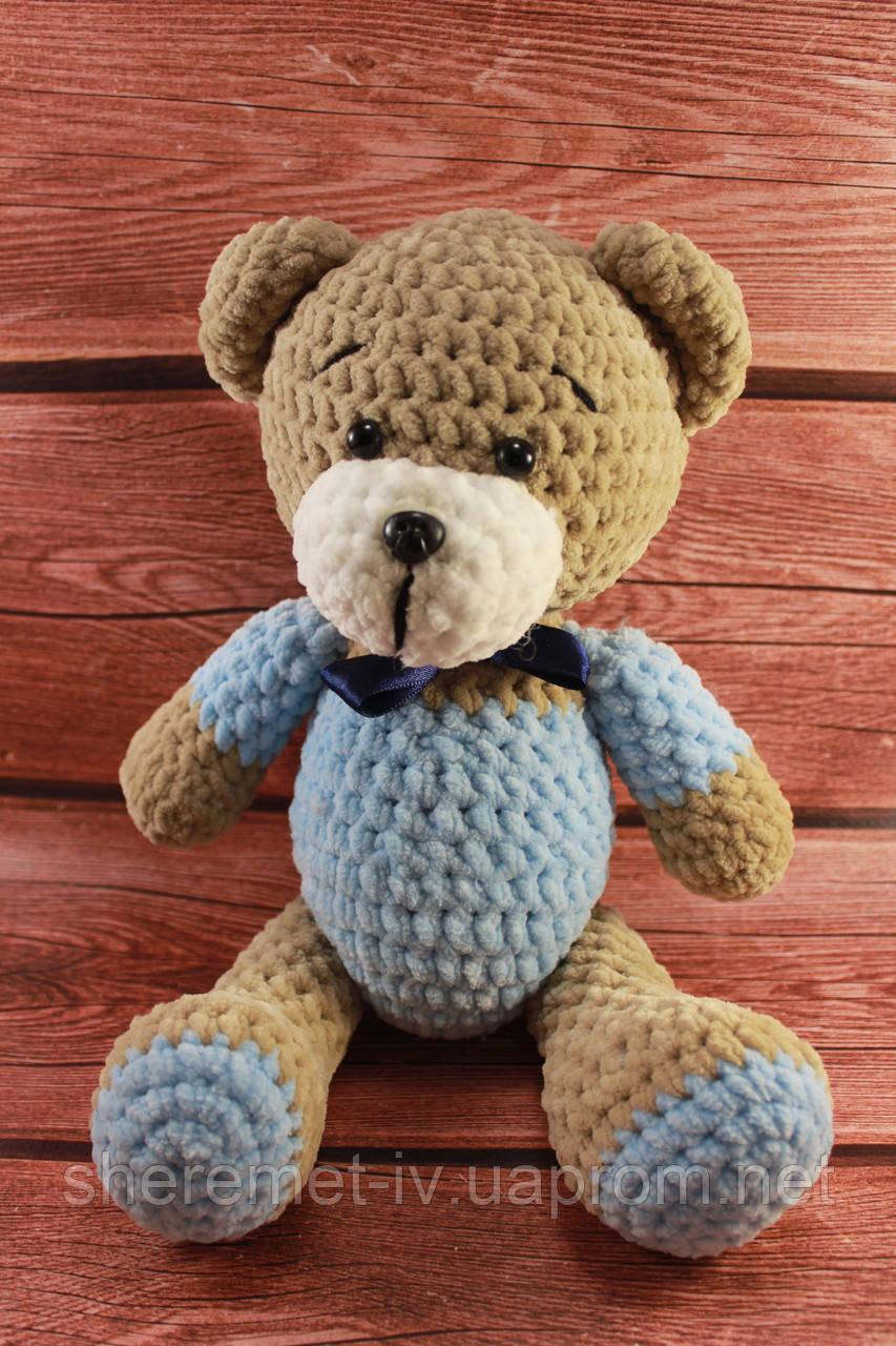 Мягкая вязаная  игрушка ручной работы Мишка с бантиком для детей 32*23 см