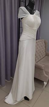 Классическое свадебное платье со складками на поясе