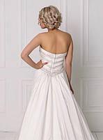 Свадебное платье с пышной юбкой и бисером, фото 3