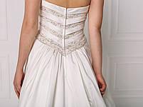 Свадебное платье с пышной юбкой и бисером, фото 5