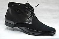 Черные ботиночки комбинированные (кожа+замша) на низком каблуке со шнурками.Украина.