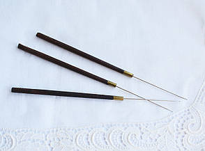 Гачок для вишивки індійський з дерев'яною ручкою