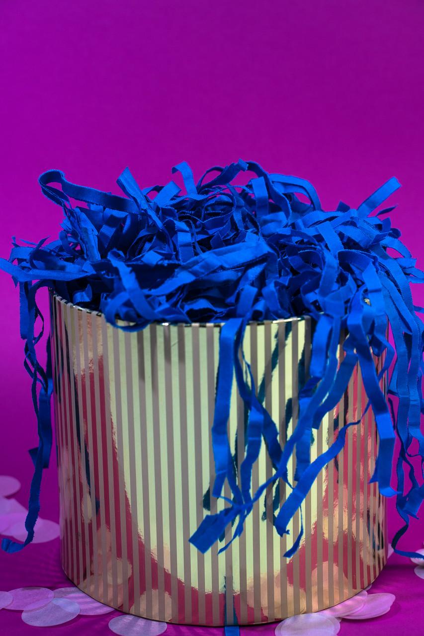 Наполнитель для коробок  из тишью синий 100 г