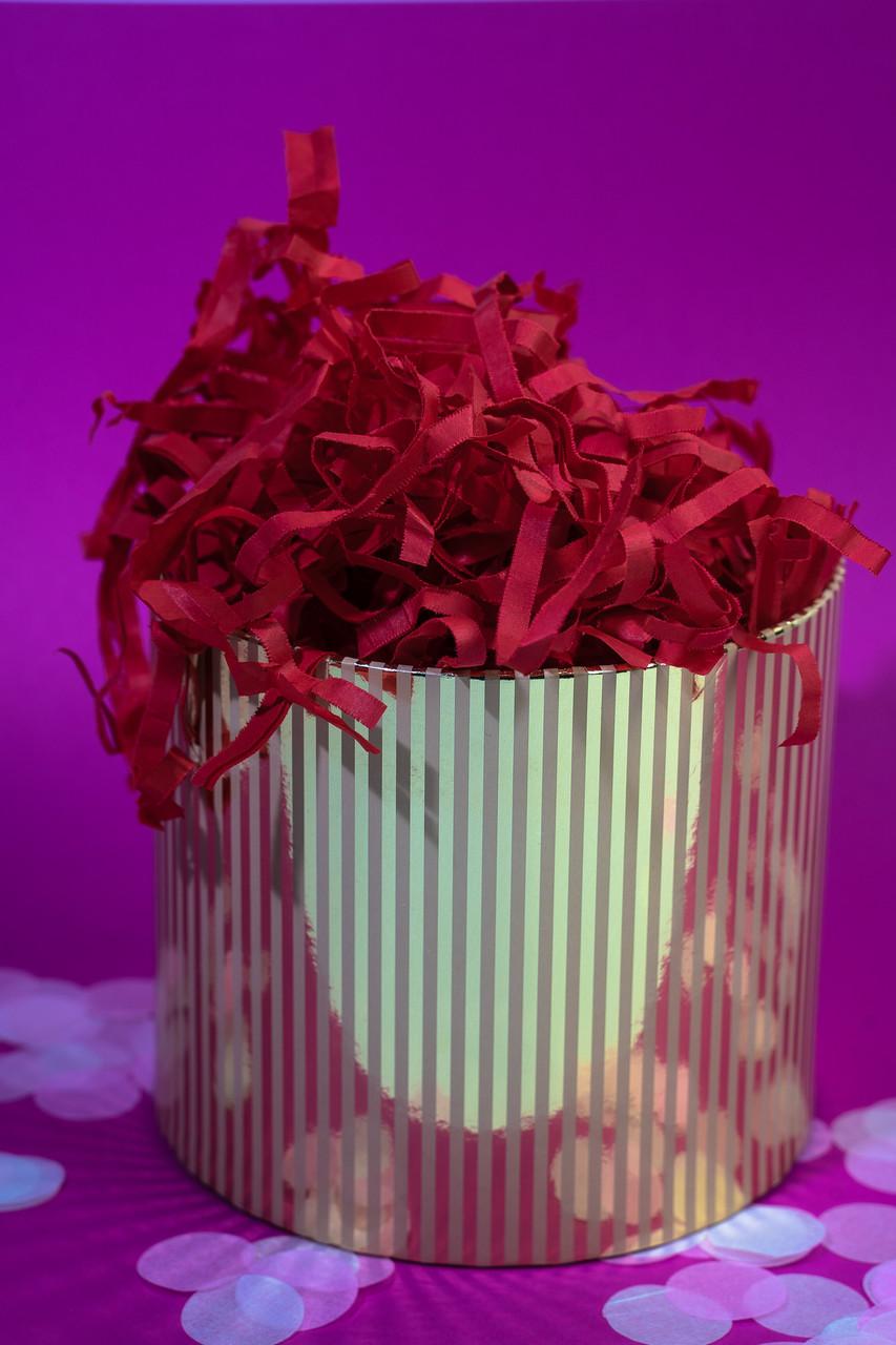 Наполнитель для коробок  бумажный красный 100 г