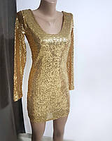 Золотистое нарядное короткое платье в пайетки