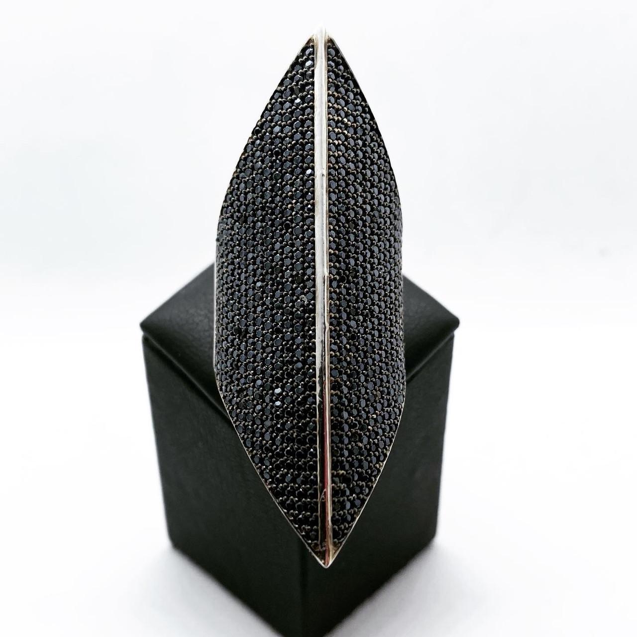 Кільце перстень подовжений з срібла 925 Beauty Bar з чорними каменями сваровськи (розм.18.5-19 мм)