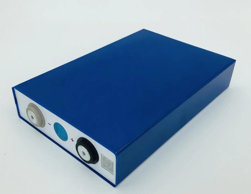 Аккумулятор квадратный LiFePO4 3,2V 50 A литий-железо-фосфатный с резьбой