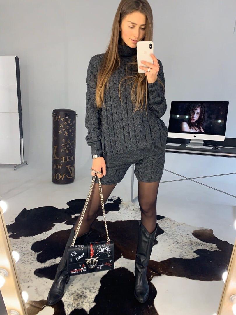 Стильный женский вязаный костюм: свитер+шорты , в расцветках